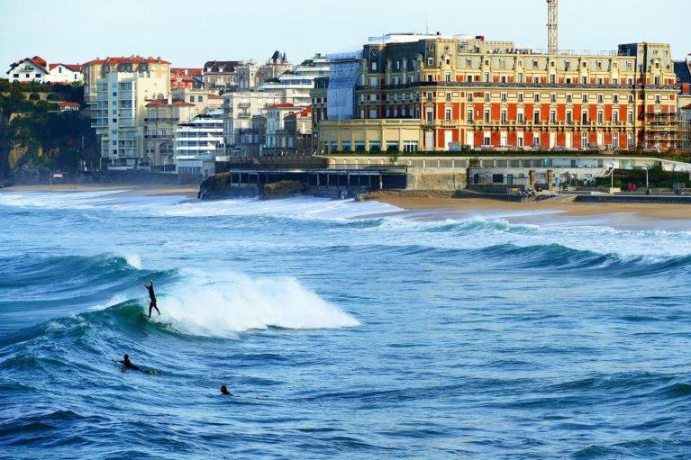 où trouver un parking pas cher à biarritz